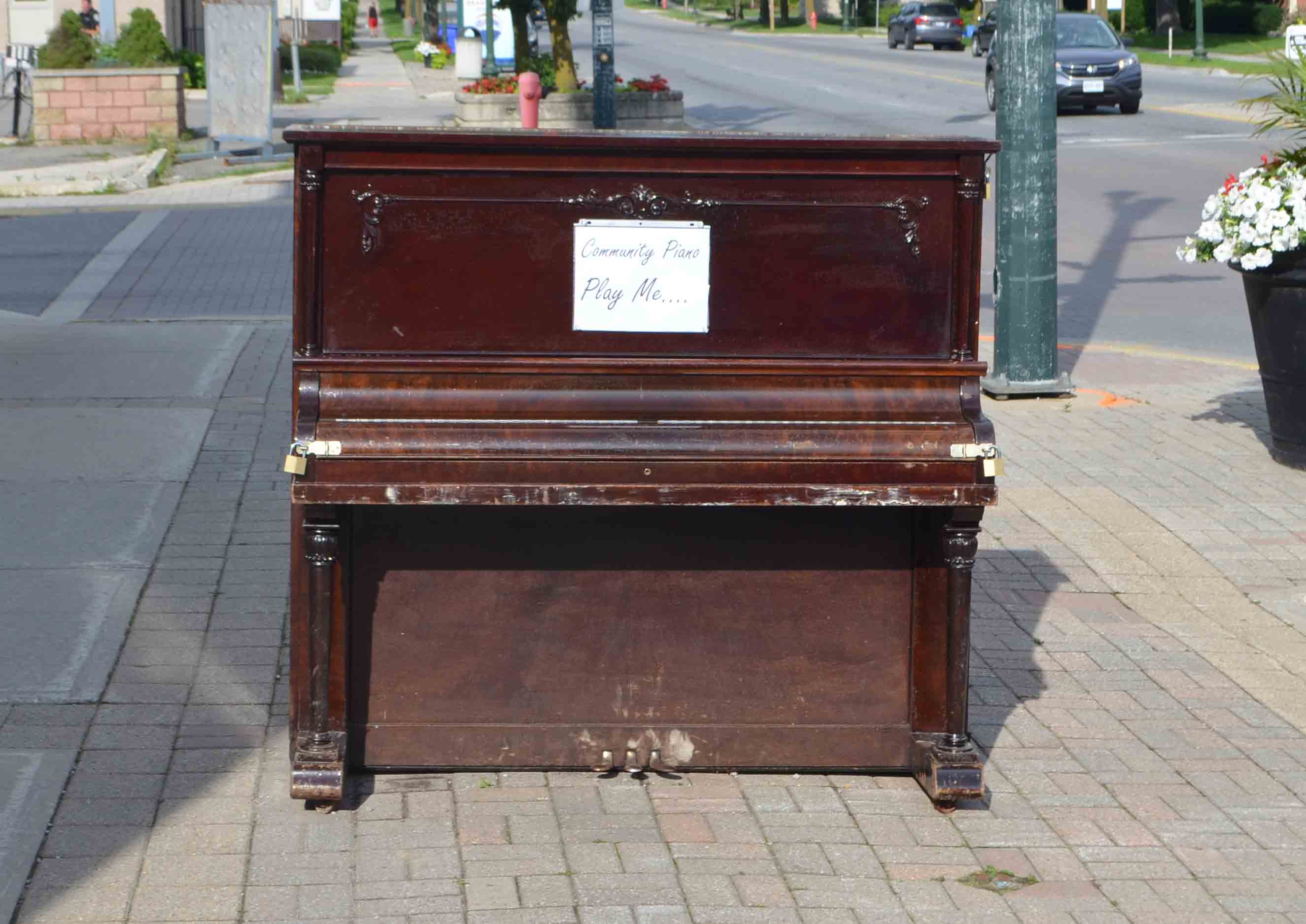 piano on the sidewalk
